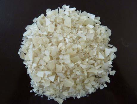 低铁片状硫酸铝